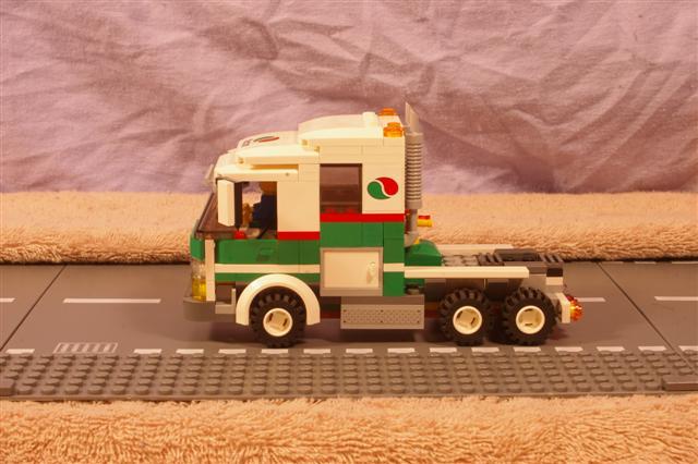 roadtrain.primemover.a (Small).jpg