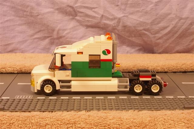 roadtrain.primemover.b (Small).jpg