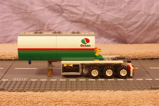 roadtrain.trailer.1 (Small).jpg