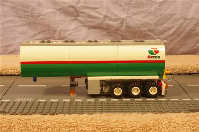 roadtrain.trailer.3 (Small).jpg