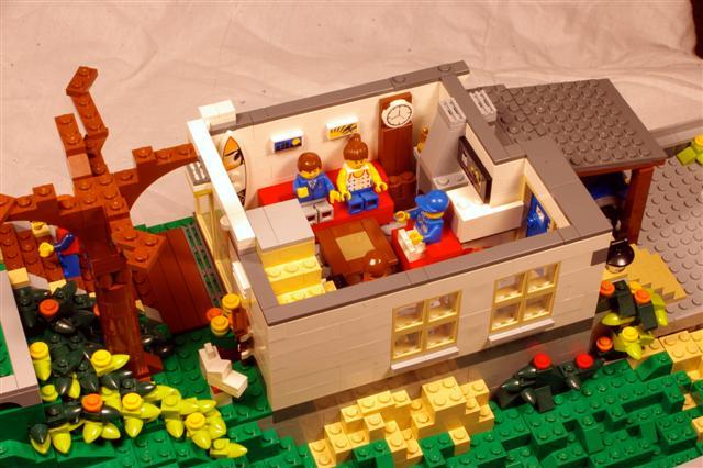 steep.hillside.house.lounge.3 (Small).jpg
