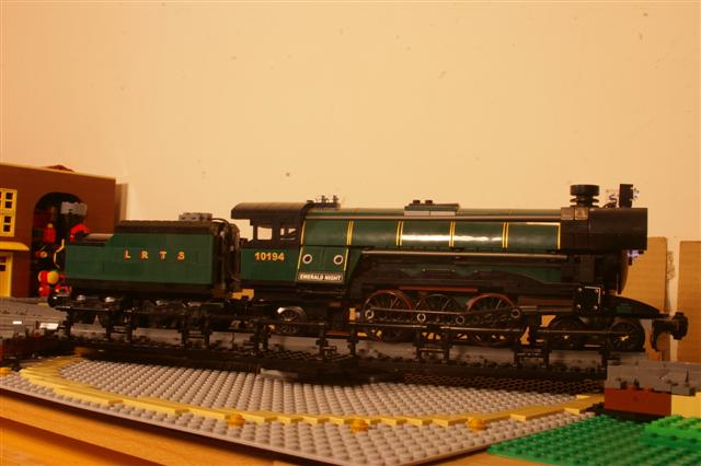 turntable.emerald (Small).jpg